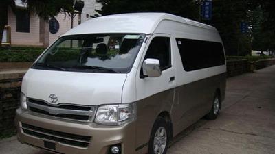 车型:新款丰田海狮商务/10-15座/手动
